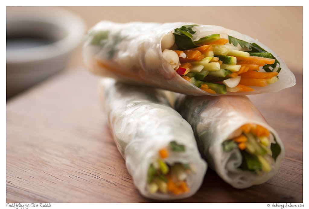 Asian Rolls with dipping sauce 1